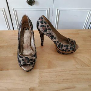 Gianni Bini cheetah platform heels
